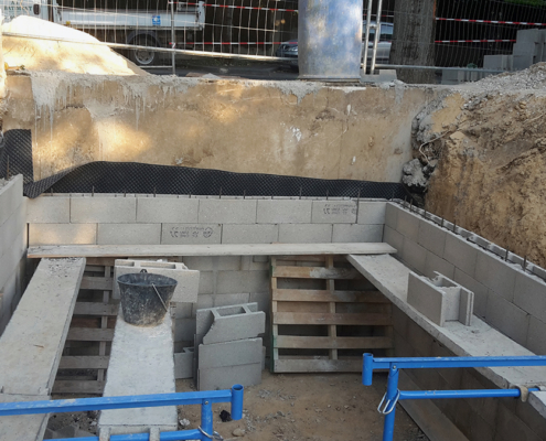 Construction d'un pavillon à Vitry-sur-Seine (94) : réalisation d'une cave en blocs à bancher