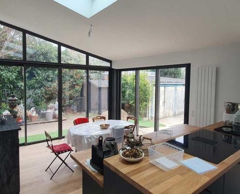 Construction, aménagement et isolation intérieure d'une extension sur un pavillon