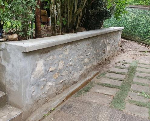 Réalisation par AIT Bâtiment d'un mur de soutènement en pierres à Chamarande (91)